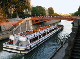Offer a sightseeing cruise in Paris